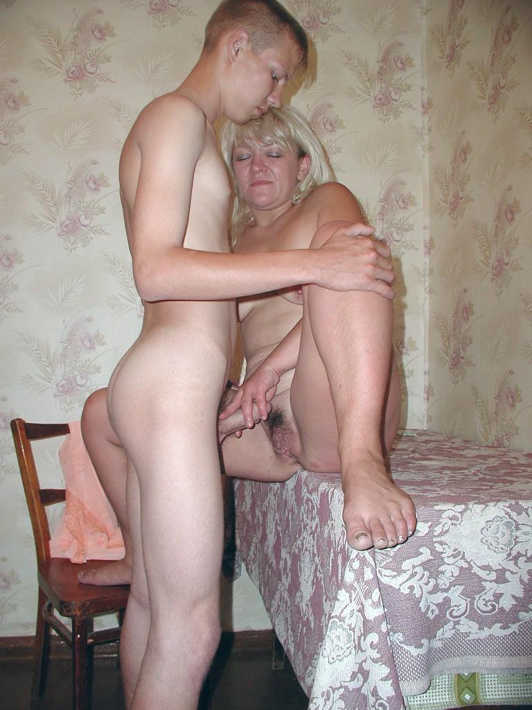 Мама дрочит душем смотреть